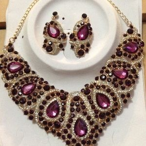 Jewelry - Must Have Statement Purple Rhinestone Necklace NEW